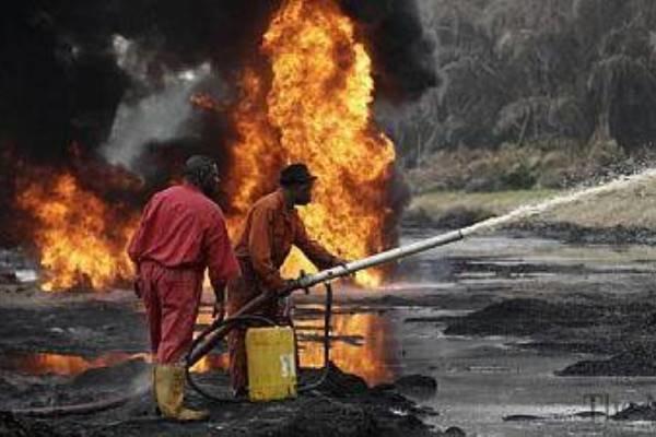شمار قربانیان انفجار خط لوله نفت نیجریه به 60تن رسید