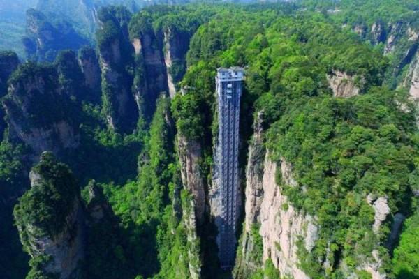 سفری با آسانسور به ارتفاعات دیدنی چین