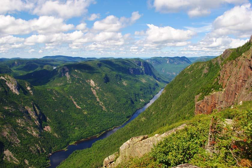10 مکان برتر طبیعت گردی در کبک؛ کانادا