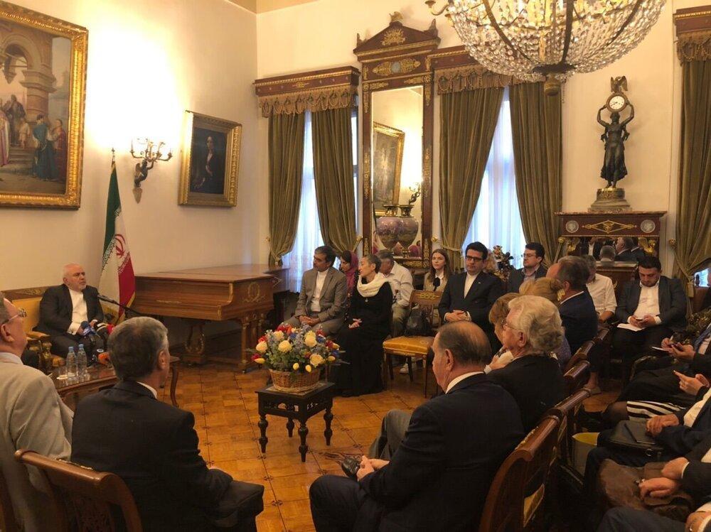 ظریف به شبهه ایجاد شده درباره ایران و روسیه پاسخ داد