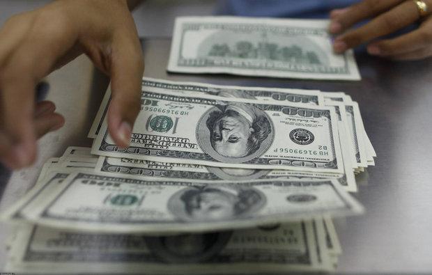 افزایش نرخ رسمی دلار، نرخ یورو و پوند کاهش یافت