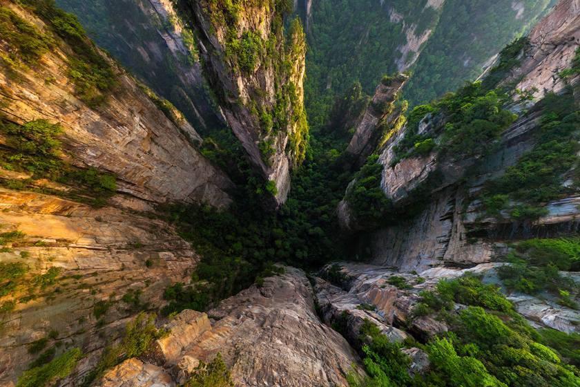 تماشا کنید؛ پارک ملی جنگلی ژانگجیاجی در چین