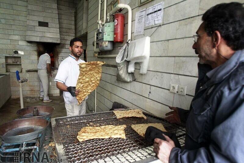 خبرنگاران تعطیلی خودسرانه نانوایی ها در آستارا پیگرد قانونی دارد