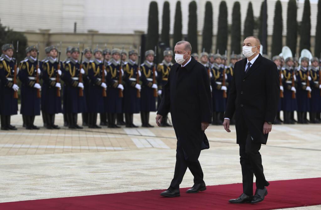 چراغ سبز اردوغان به جدایی طلبان آذربایجان، شعری که اردوغان خواند چه بود؟