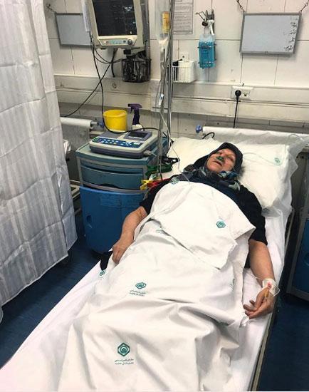 پست علی انصاریان برای مادرش در بیمارستان