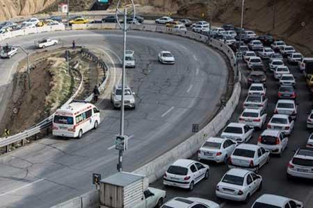 ترافیک سنگین در بعضی مقاطع کندوان و هراز ، 9 جاده کشور مسدود است