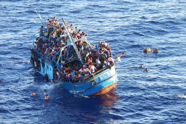 آتن پناهجویان را از خاک یونان بیرون می نماید