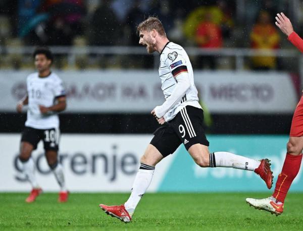 تور هلند: پیروزی پرگل آلمان و هلند؛ مانشافت اولین تیم صعود کننده به جام جهانی، لاله های نارنجی در آستانه صعود